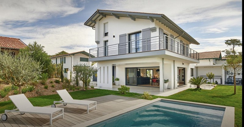 Villa 5 Etoiles piscine chauffée boulodrome BIDART