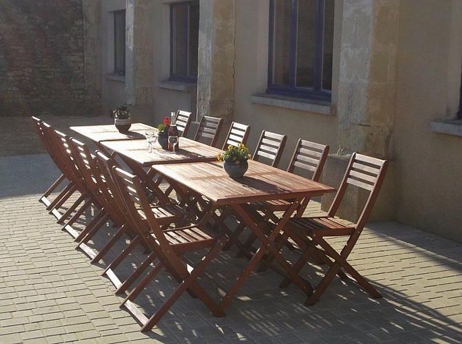 Terrasse meuble The Barn Holbrook Argenton l eglise Thouarsais