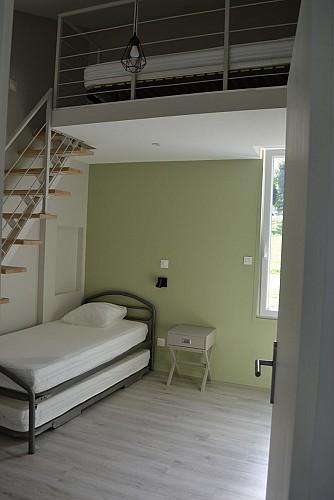 Chambre 2 - 3 lits 1 personne dont 1 en mezzanine