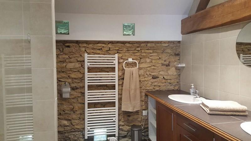 Salle de bain Meublé La grande maison des tournesols Hilton St-Jouin-de-Marnes