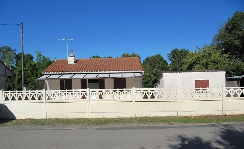 Exterieur meublé La Maison du pêcheur Davy St Martin de Sanzay Thouarsais