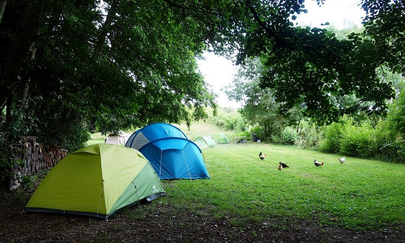 CAMPING-RURAL-CAMELOT