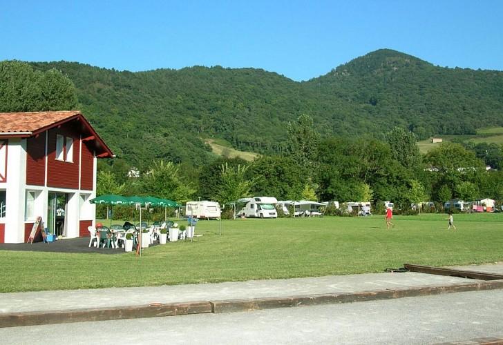 Camping de la truite-boulodrome-snack-ascarat