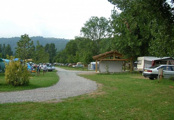 Camping de la truite-emplacements-tentes-ascarat