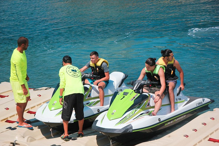 Introduction to jet ski without license with a state-registered instructor - New Gliss