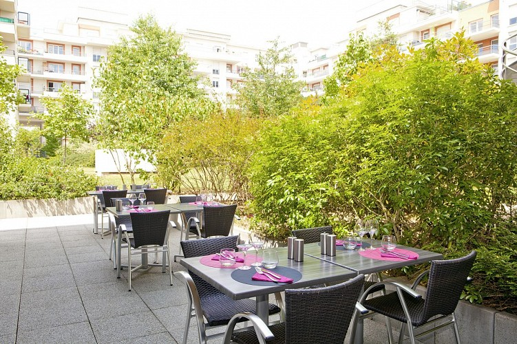 Residhome Paris Evry Appart Hotel