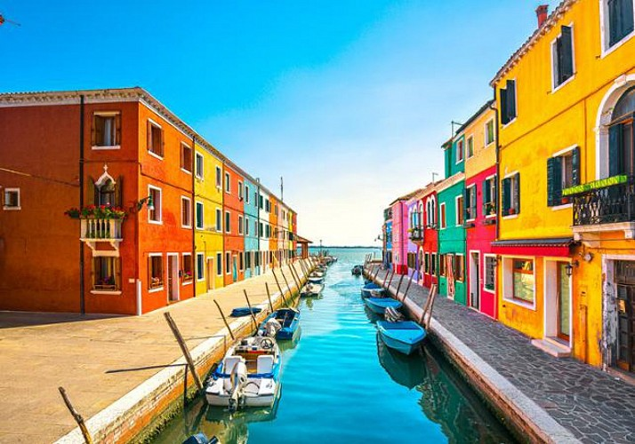 Guided excursion through the Murano and Burano islands - Venice
