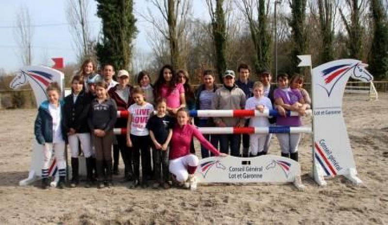 Photo équipe concours obstacle FFE