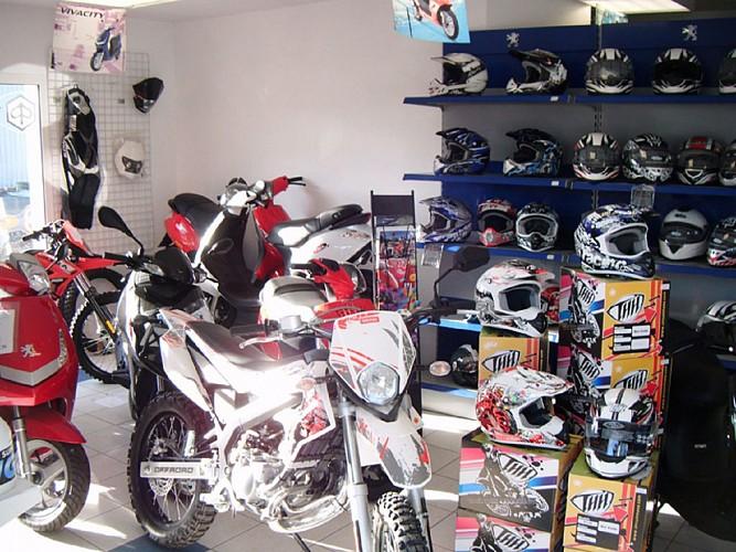 Cycles Poppe-intérieur-motos
