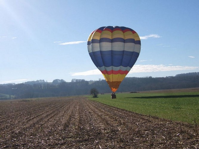 Air pyrenees montgolfiere 3 [HDTV (1080)]