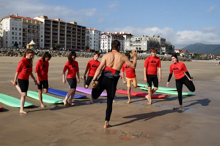 Ecole de Surf Txingudi Echauffement