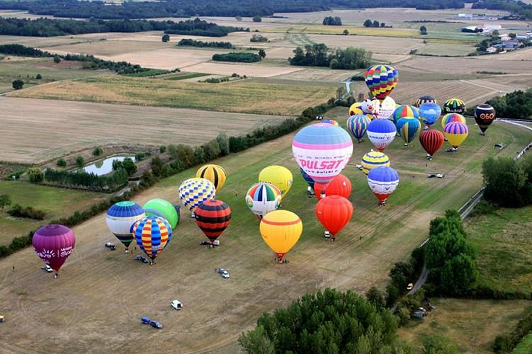 montgolfière en Thouarsais vol loisirs aérien activité Thouars Thouarsais Deux Sèvres 79 compresse2.jpg_2