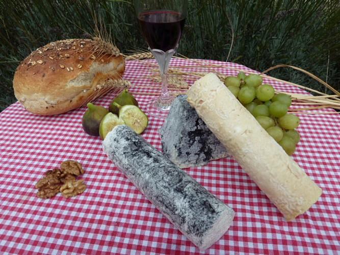 assortiment_fromages_ferme_clairette_prin_deyrancon.jpg_2