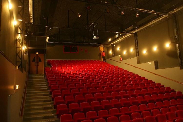 salle de spectacle du vox st christoly de blaye 800x600