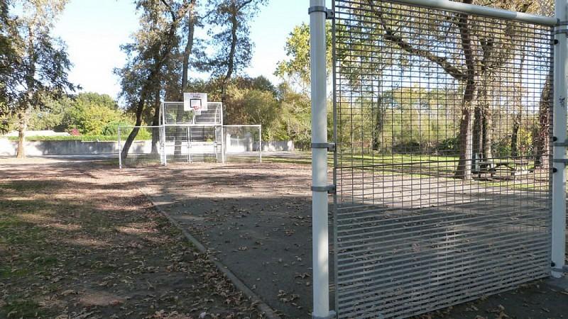 city stade lacanau de mios (2)