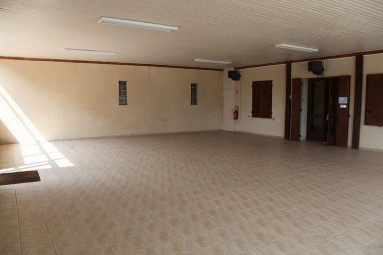Salle-polyvalente-Pompiey---Hall