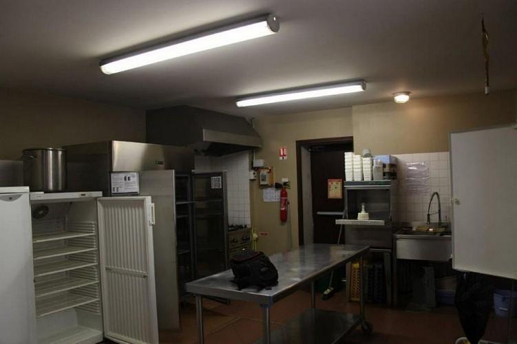 Salle-polyvalente-Pompiey---cuisine