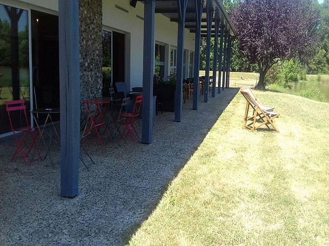 miramont-chaperon-rouge-terrasse