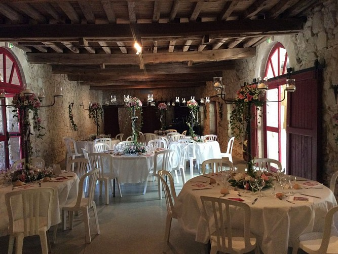 OTLT_LOI_Location de salle_Boisverdun_Tombeboeuf_tables
