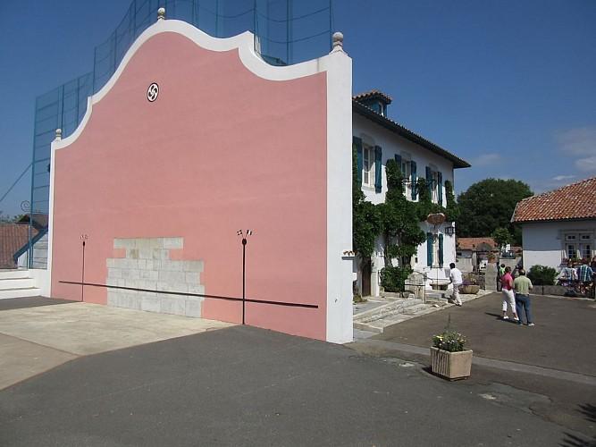 Fronton - mur