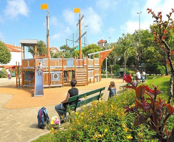 Aire de jeux parc Mazon
