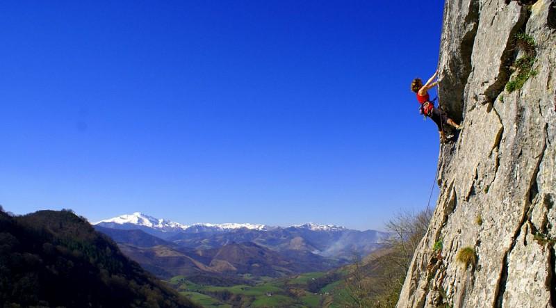 Escalade à la falaise d'Arguibelle II LANNE-EN-BARETOUS