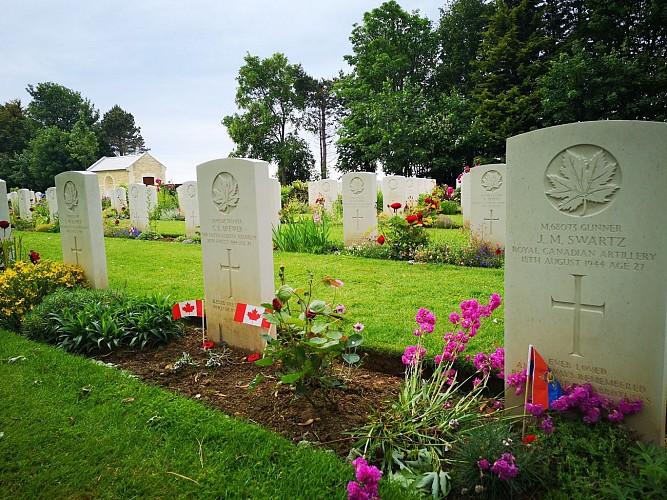 Le Cimetière Militaire Canadien