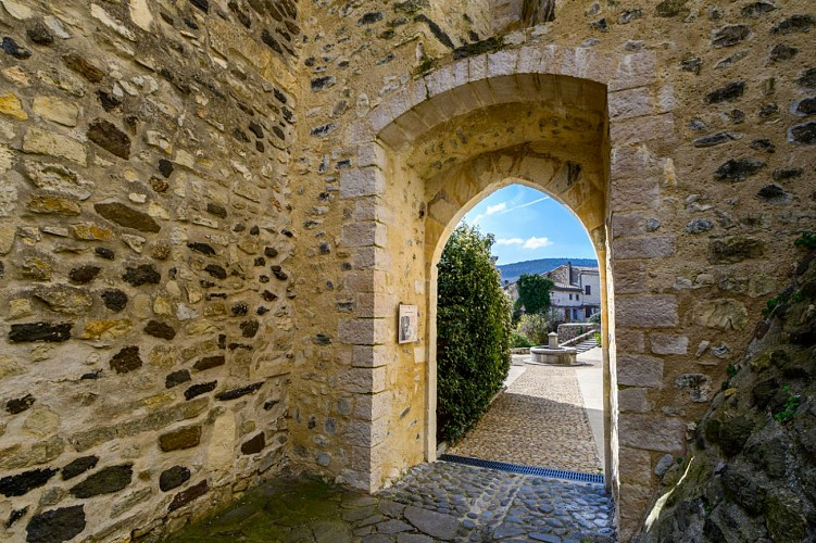 Saint-Vincent-de-Barrès : Village de caractère