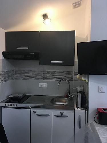 st-aubin-du-plain-appart-d-hotes-isafred-kitchenette