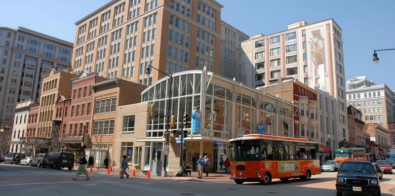 Washington, DC Trolley Bus Tour – hop-on, hop-off