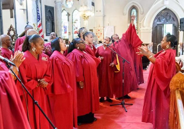 Visite guidée à pied de Harlem et concert Gospel dans une église – En français